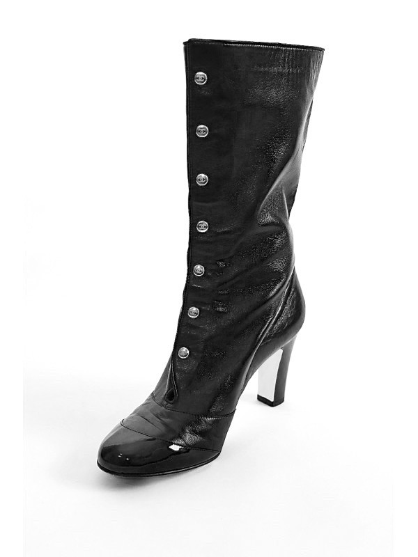https://www.secondemaindeluxe.com/4049-thickbox_default/bottes-chanel-noires-taille-37.jpg
