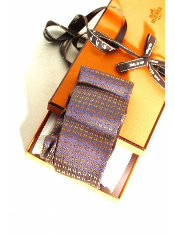 https://www.secondemaindeluxe.com/5219-thickbox_default/cravate-hermès-soie-.jpg