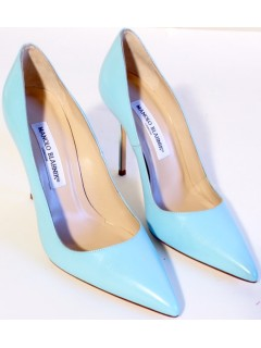 Escarpins Manolo Blahnik bleu taille 37,5
